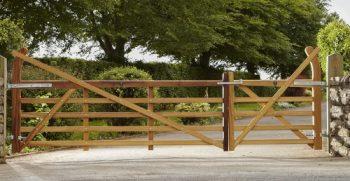 Estate-gate-c-500x258