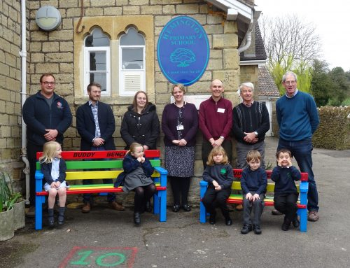 """Buddy Benches"" Built With Donated Timber to Prevent School Children Feeling Lonely"